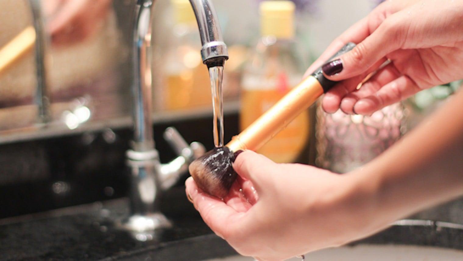 Como higienizar os pincéis