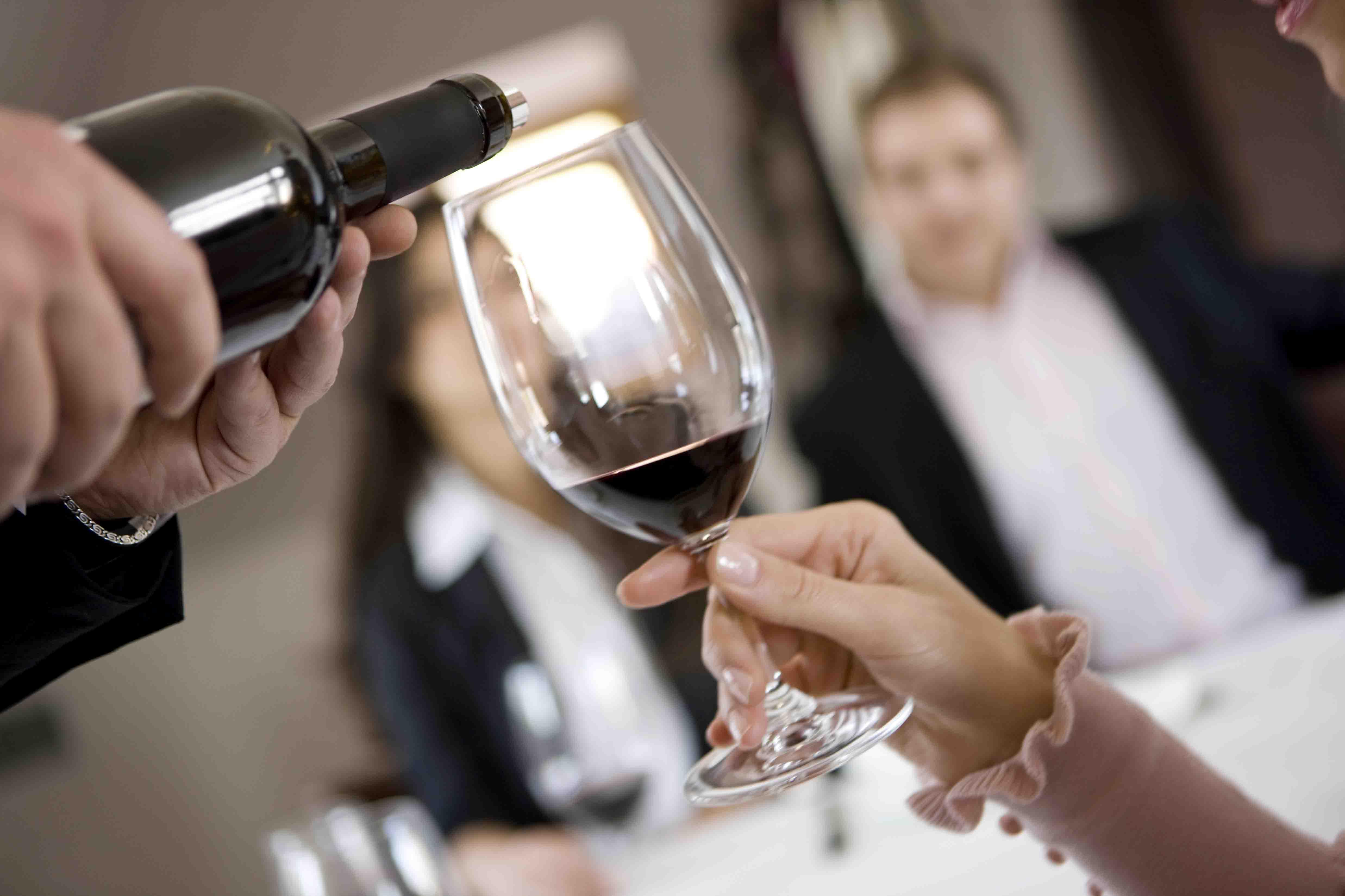 O ritual do vinho no restaurante