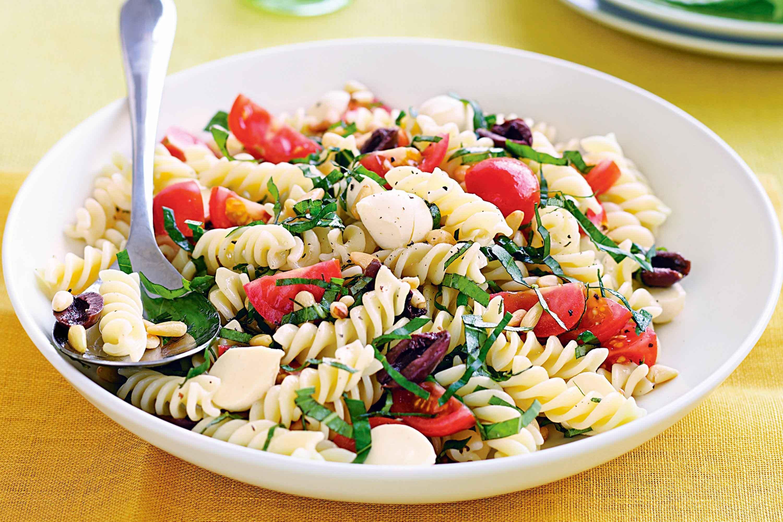 3 deliciosas receitas de Salada de Macarrão